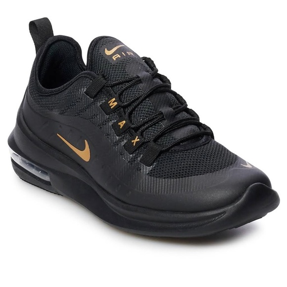 511754f481cb8d Nike Women s Air Max Axis. M 5bfefe0803087c9d7caf1f87